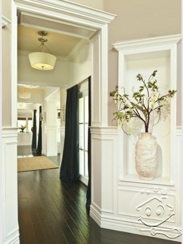 blazzing house: Small Space Design Ideas at The Entrance