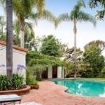 Futuristic Minimalist House Pool Design Ideas