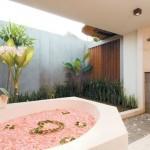 Exotic Villa Bathtub Design Concept