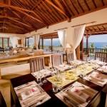 Artistic Villa Dining Room Decorating Ideas