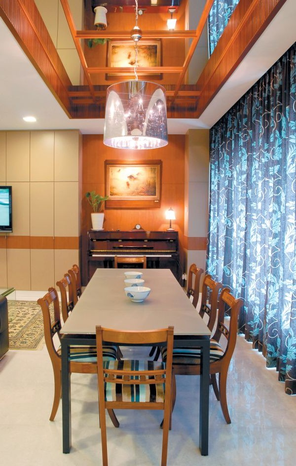 Amazing Apartment Dining Room Decorating Photos