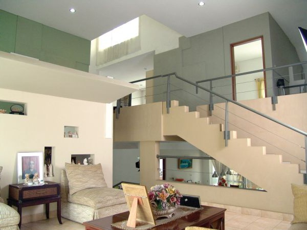 Contemporary House Decorating Architecture