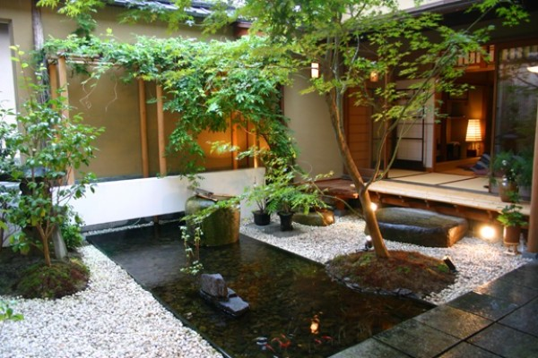 Minimalist and Artistic Garden Design Ideas