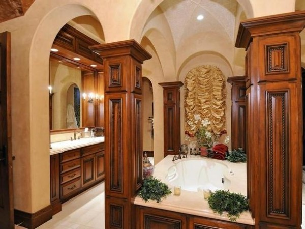 Luxurious Master Bathroom Design Photos