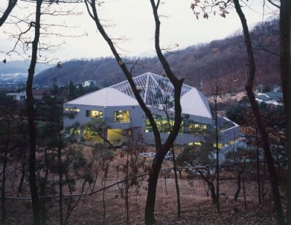 Futuristic Polygonal Home Design Scheme
